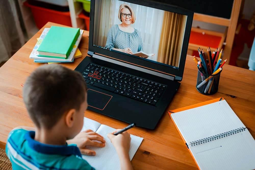 laptop học online mùa dịch