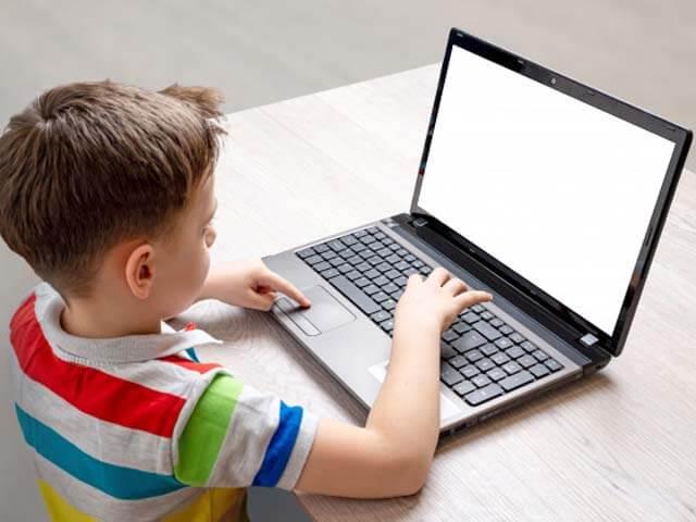 sai lầm khi sử dụng laptop